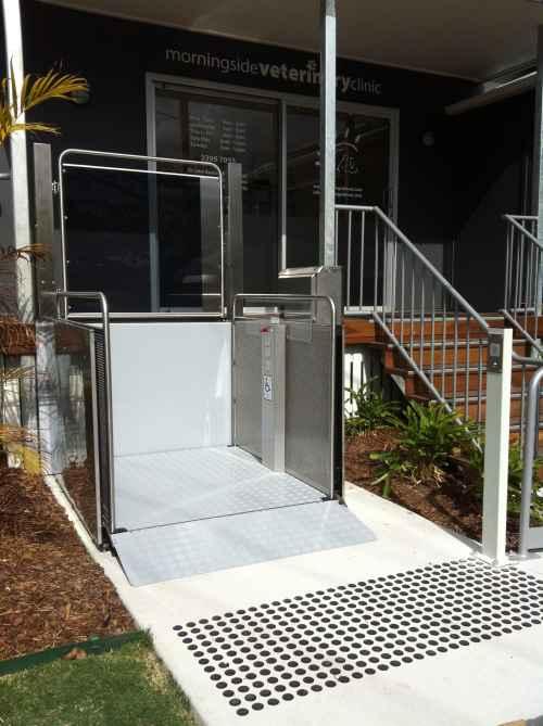Vertical Platform Lift outside vet