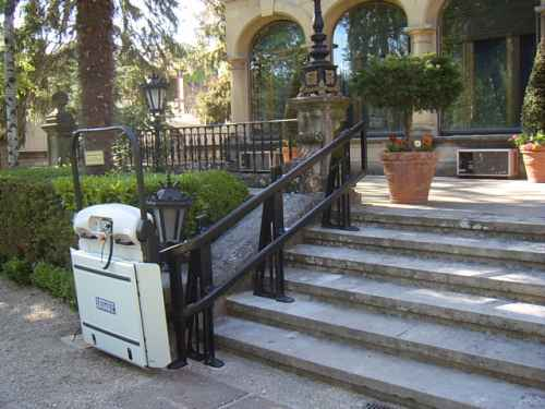 Incline Platform Lift outside not in use