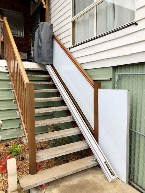 stair lift with cover