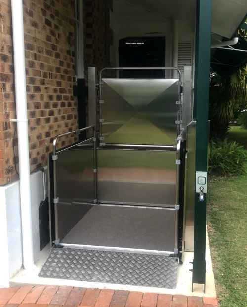 Vertical Platform Lift ready to be used